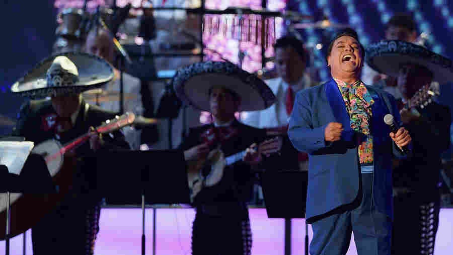 LISTEN: 4 Juan Gabriel Songs You Should Hear Now