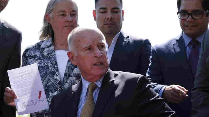 California Gov. Jerry Brown Signs New Climate Change Laws