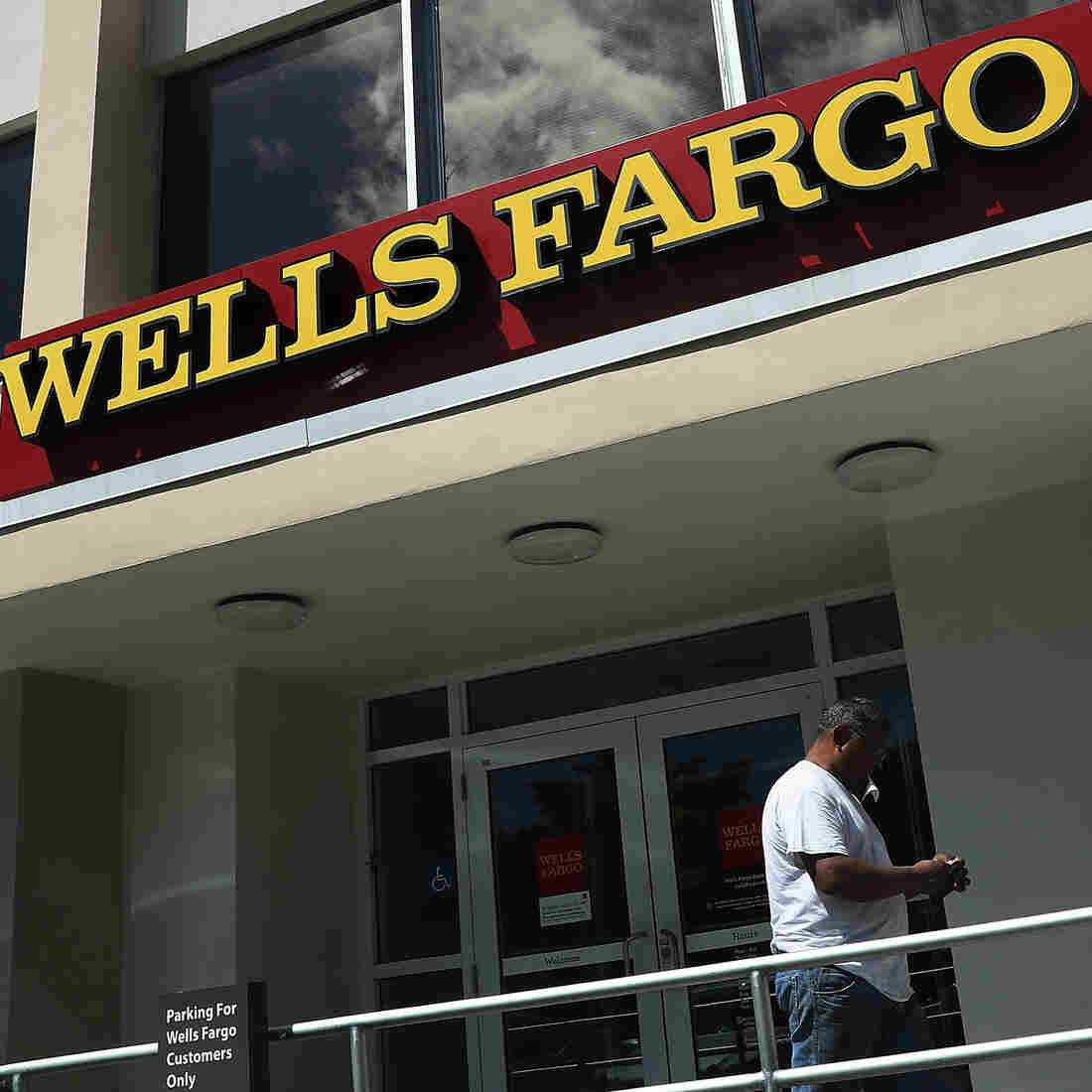 Wells Fargo Unit's Leader Departs With $125M After Bank Incurs Record Fine