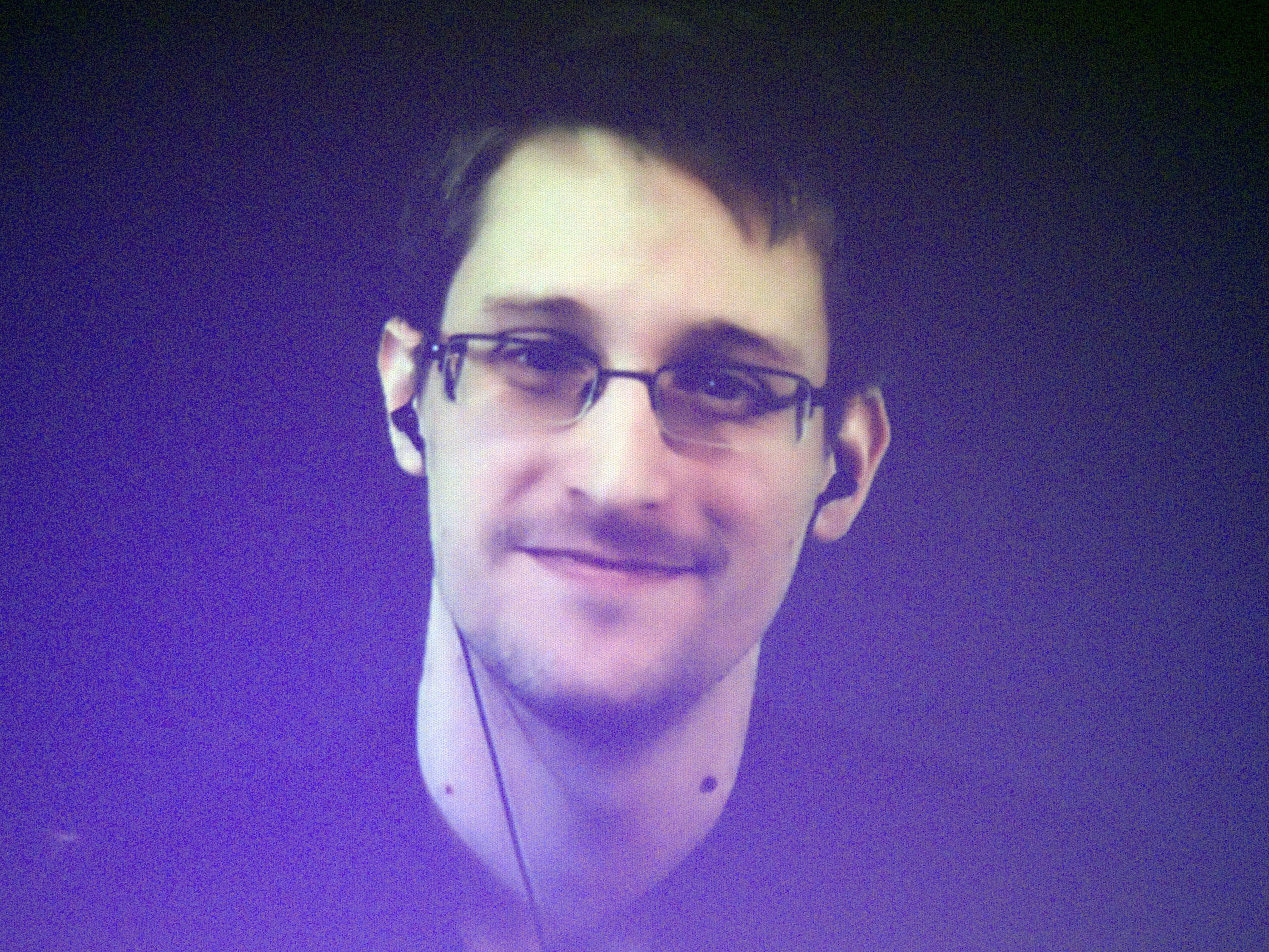 Snowden dismisses 'distorted' U.S. report on mass surveillance disclosures