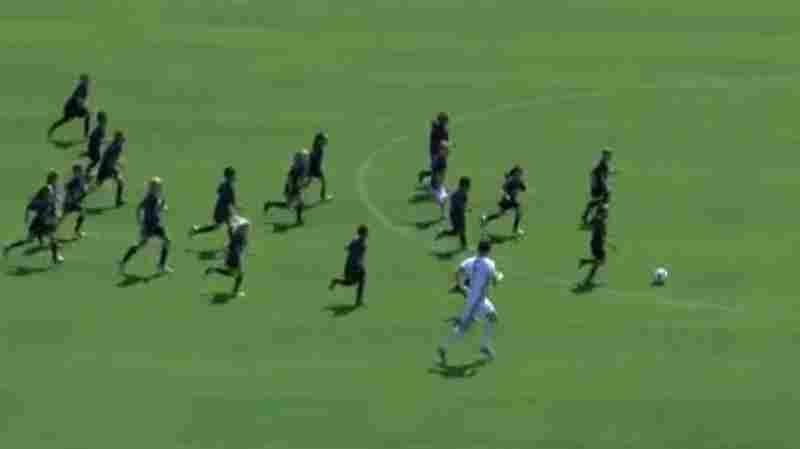 Watch 2 Elite Soccer Players Take On A Pack Of 8-Year-Olds