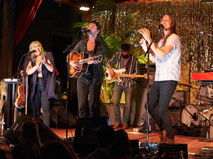 The Head And The Heart performs songs from Signs Of Light live at City Winery in NYC.