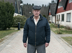 Ove (Rolf Lassgard), a bitter and reclusive widower, reluctantly finds friendship among his neighbors.