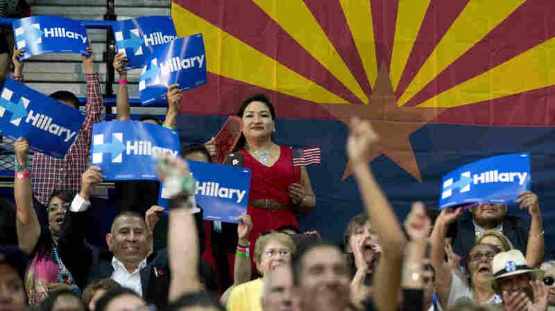 Arizona Newspaper Breaks With Tradition, Backs Clinton