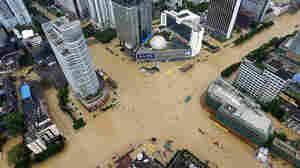 PHOTOS: Typhoon Megi Slams Into Taiwan And Southeast China