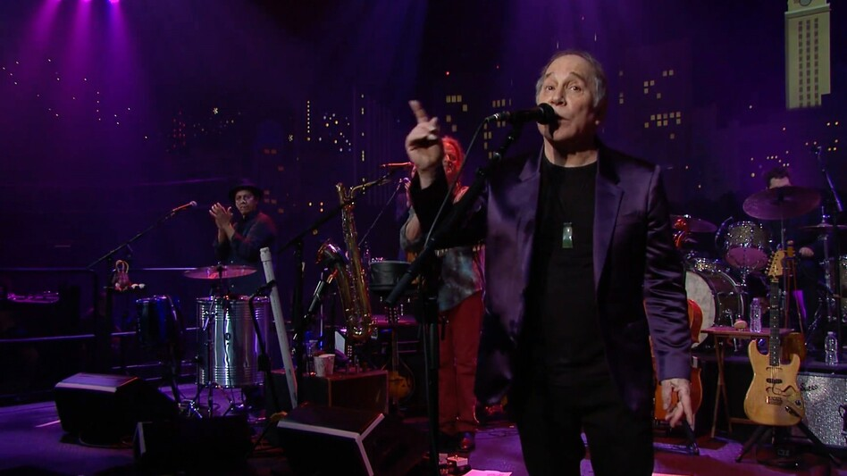 Paul Simon performing at Austin City Limits. (Courtesy of the artist.)