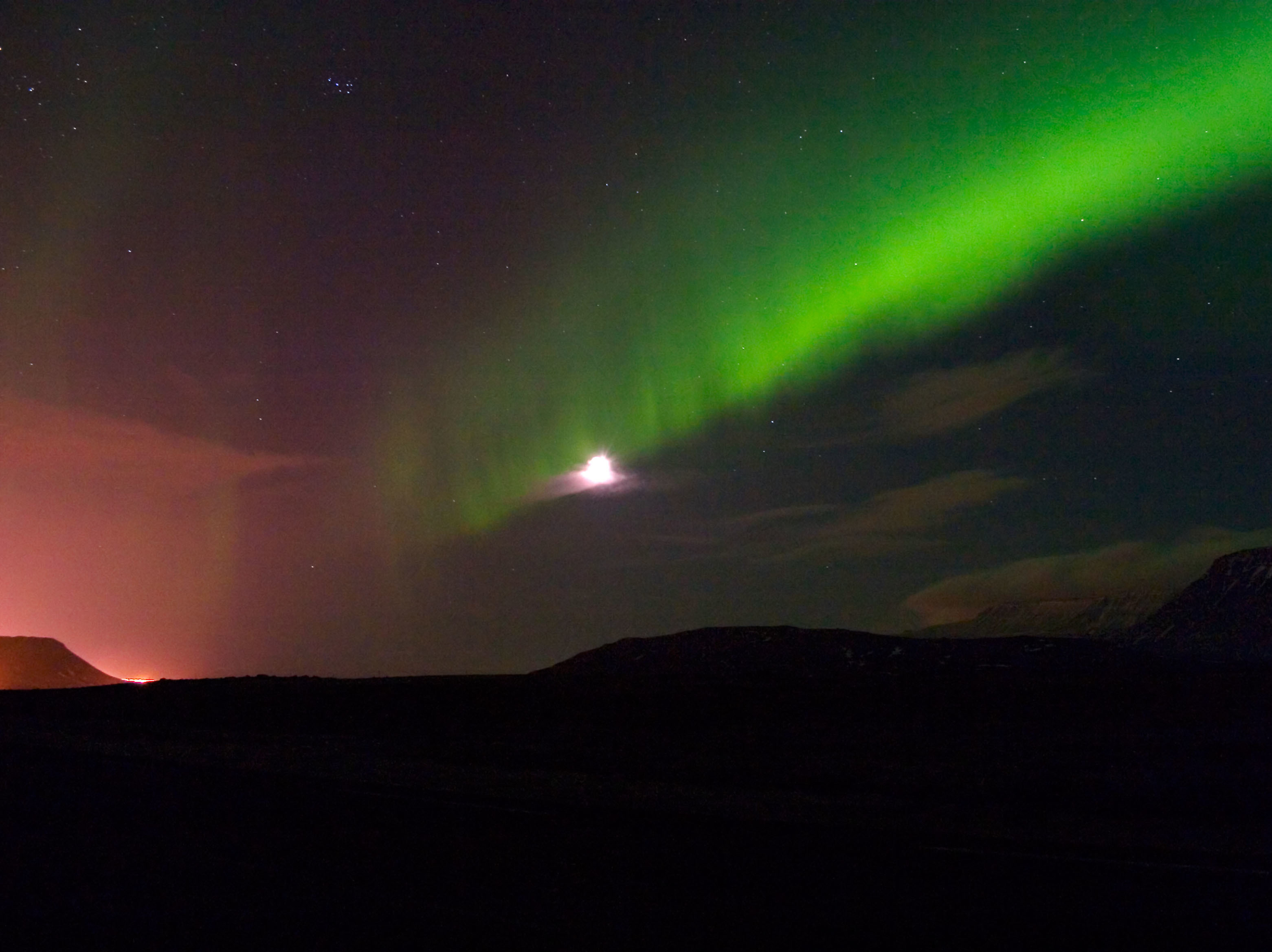 Reykjavik Turns Off Street Lights To Turn Up The Northern Lights