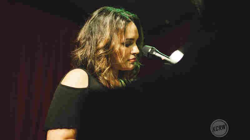 Norah Jones, 'Flipside' (Live)