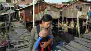 Global Poverty Declines Even Amid Economic Slowdown, World Bank Says