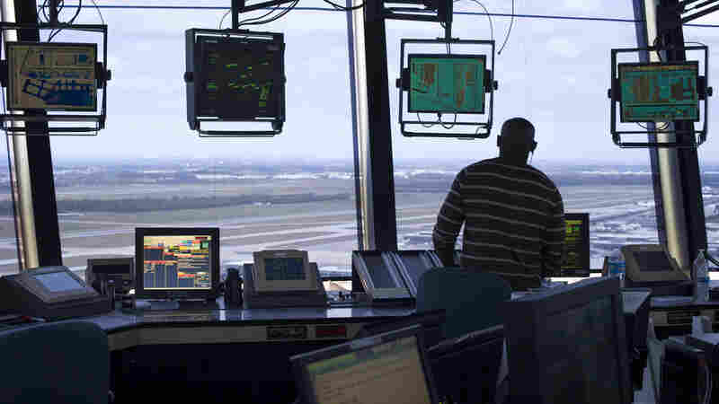 Air Traffic Controllers And Pilots Can Now Communicate Electronically