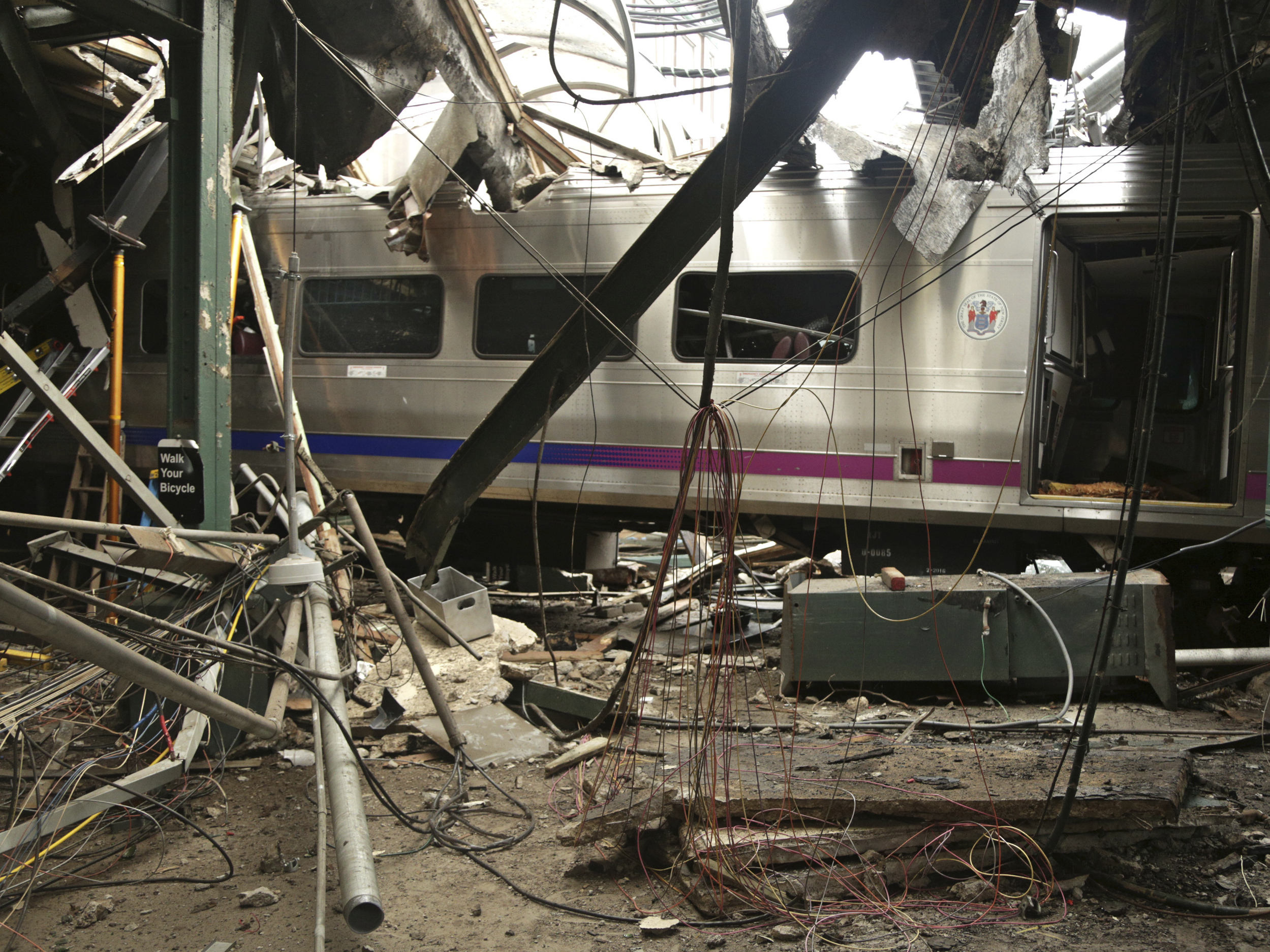 New Jersey Commuter Train Was Speeding Before Crash