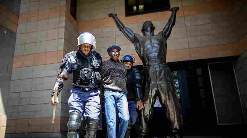PHOTOS: Students, Police Clash In South Africa Over Free Tuition Demands