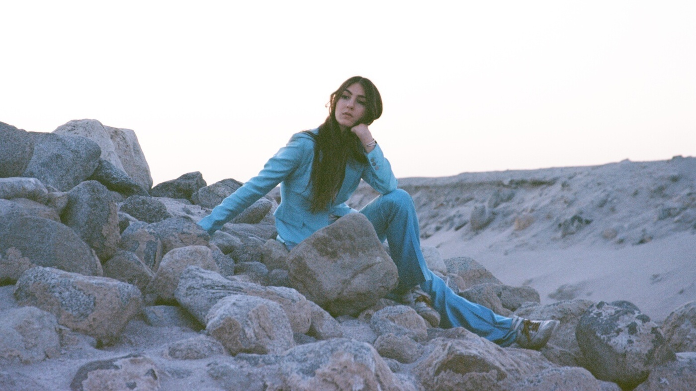 Review Weyes Blood Front Row Seat To Earth Npr
