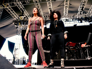 Naomi Diaz (left) and Lisa-Kainde Diaz of Ibeyi perform at the 2016 Coachella festival.