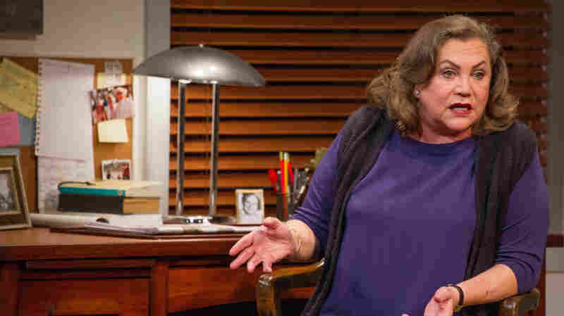'It's Very Lonely': Kathleen Turner Stars As Joan Didion In 'Magical Thinking'