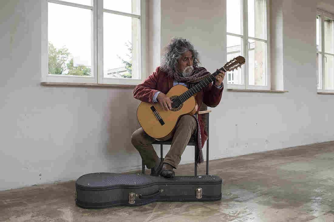 Manuelcha Prado rehearses in an upstairs corridor at the Funkhaus.