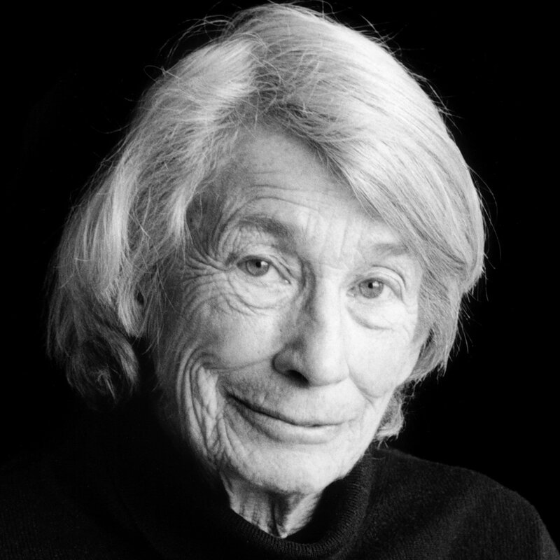 Mary Oliver, Who Believed Poetry 'Mustn't Be Fancy,' Dies At