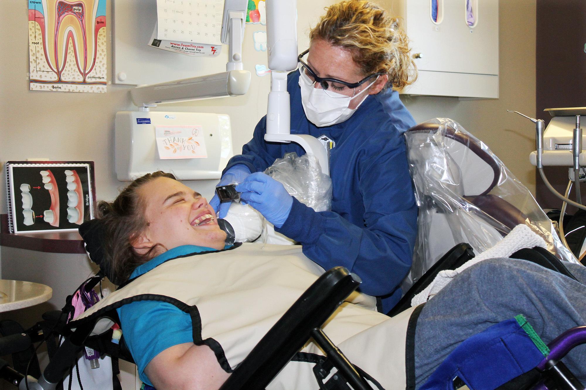 disabled-dentistry-2_enl-a0a03e4b36947a9856352ddd08008804c2c0b5e9.jpg