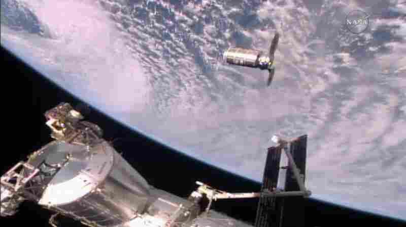 Gotcha: Space Station Grabs Onto NASA's 5,100-Pound Cargo Craft