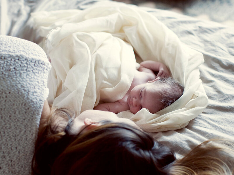 Pediatricians Acknowledge The Reality That Babies Sleep In Moms