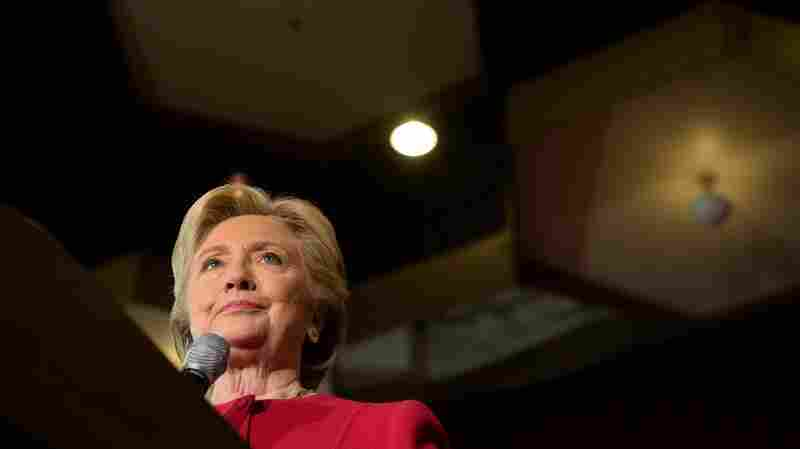 WikiLeaks Reveals Clinton Aides Knew They Had An Email Problem On Their Hands