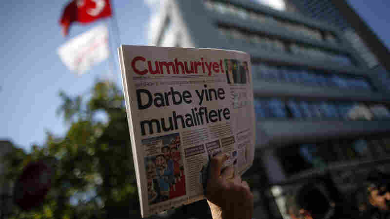 Turkey Detains Journalists From The Country's Top Opposition Newspaper