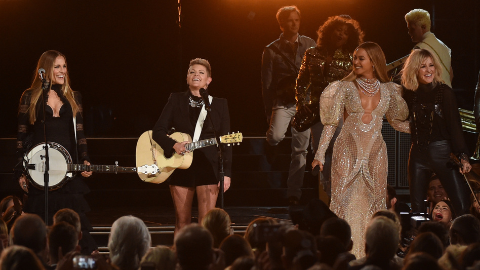 Beyonce performs with Dixie Chicks at the 50th annual CMA Awards. (Getty Images)