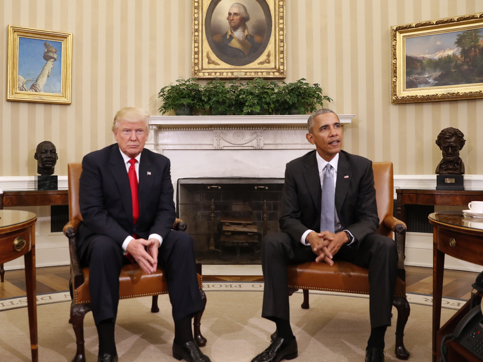 President Obama meets with President-elect Donald Trump in the Oval Office of the White House in Washington on Thursday. (Pablo Martinez Monsivais/AP)