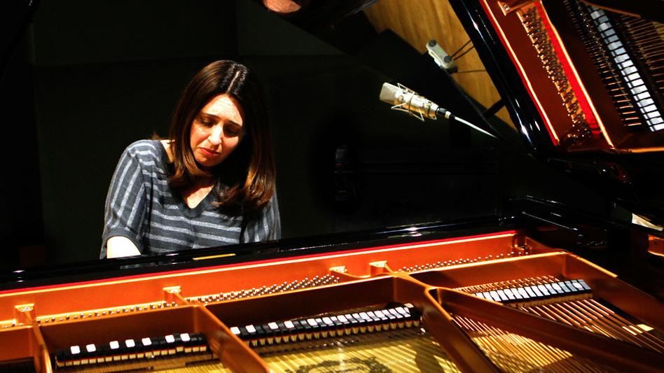 Simone Dinnerstein plays The Cohen Variations, by Daniel Felsenfeld in the NPR studios (NPR)