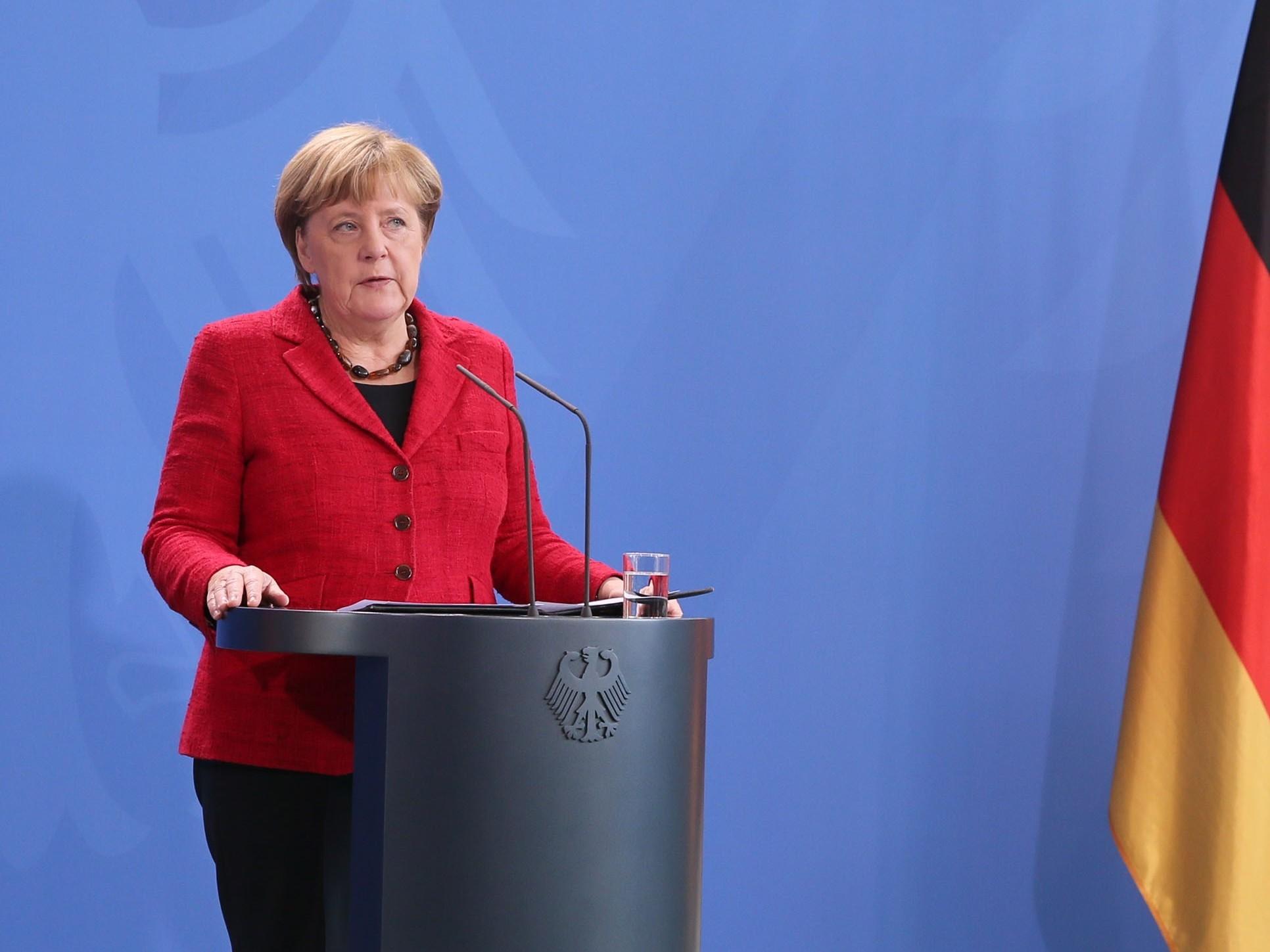 Merkel calls Trump to congratulate on victory
