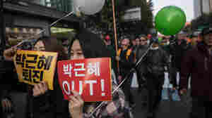 At Least 500,000 Seoul Protesters Demand Korean President Resign