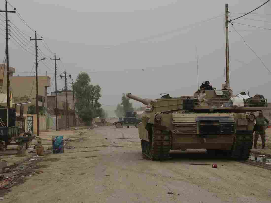 Iraqi forces push on against IS in eastern Mosul