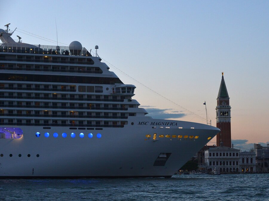 As Tourists Crowd Out Locals Venice Faces Endangered List - List of cruise ships