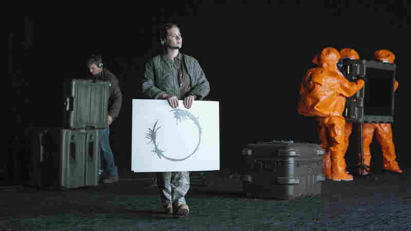 The 'Arrival' Of The Heptapods: Time Holds The Key To Everything