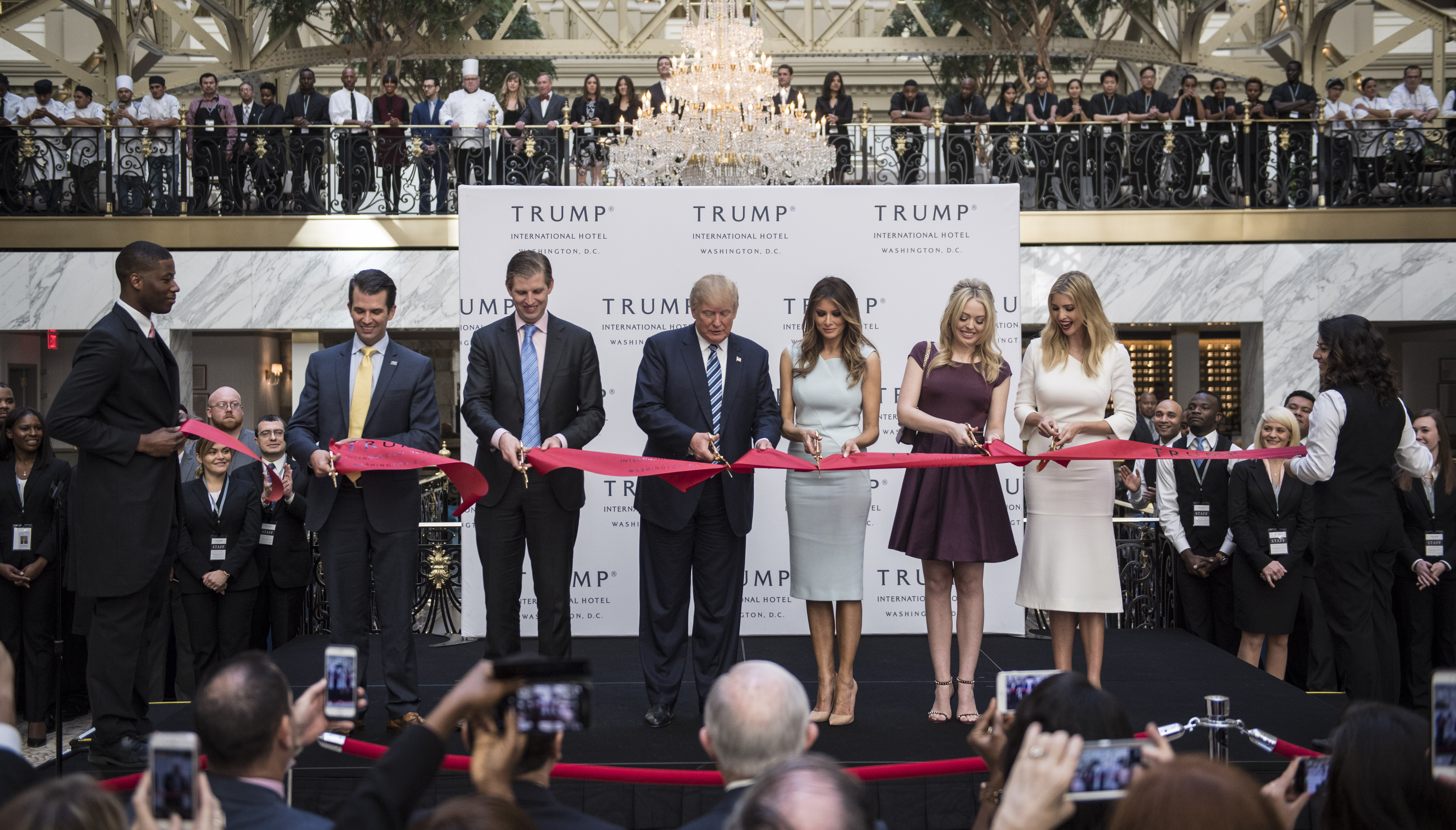 Lawyers: Trump has to sell DC hotel before taking office