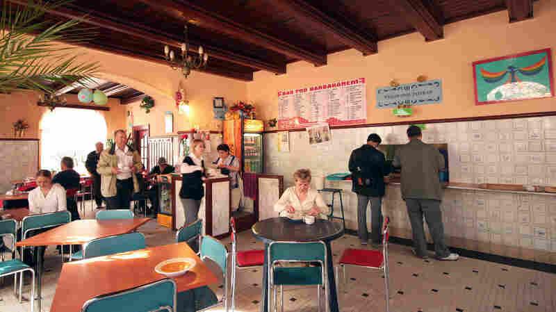 Poles Return To A Taste Of Their Communist Past: Cheap Milk Bars