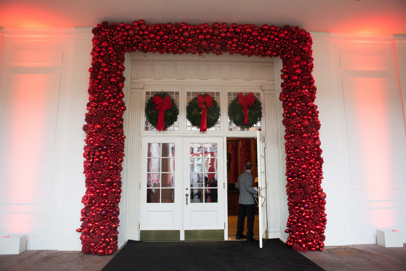for the holidays the obamas open up the white house one last time - White House Christmas Decorations 2016
