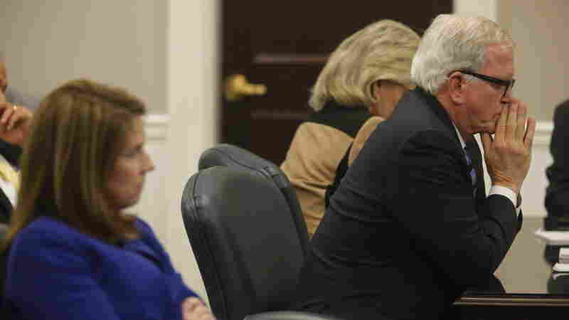 Jury In S.C. Police Shooting Trial Says It Is Struggling To Reach Verdict