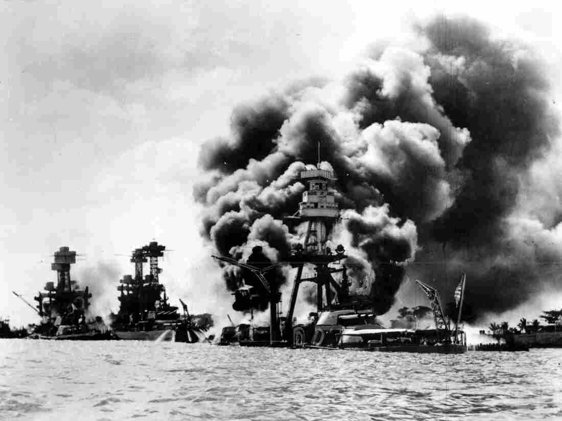 Wreaths presented to honor Pearl Harbor fallen
