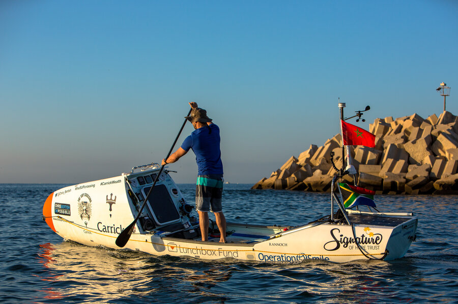 Resultado de imagen de A Surfer And His Paddleboard Embark On A Lonely Trans-Atlantic Voyage