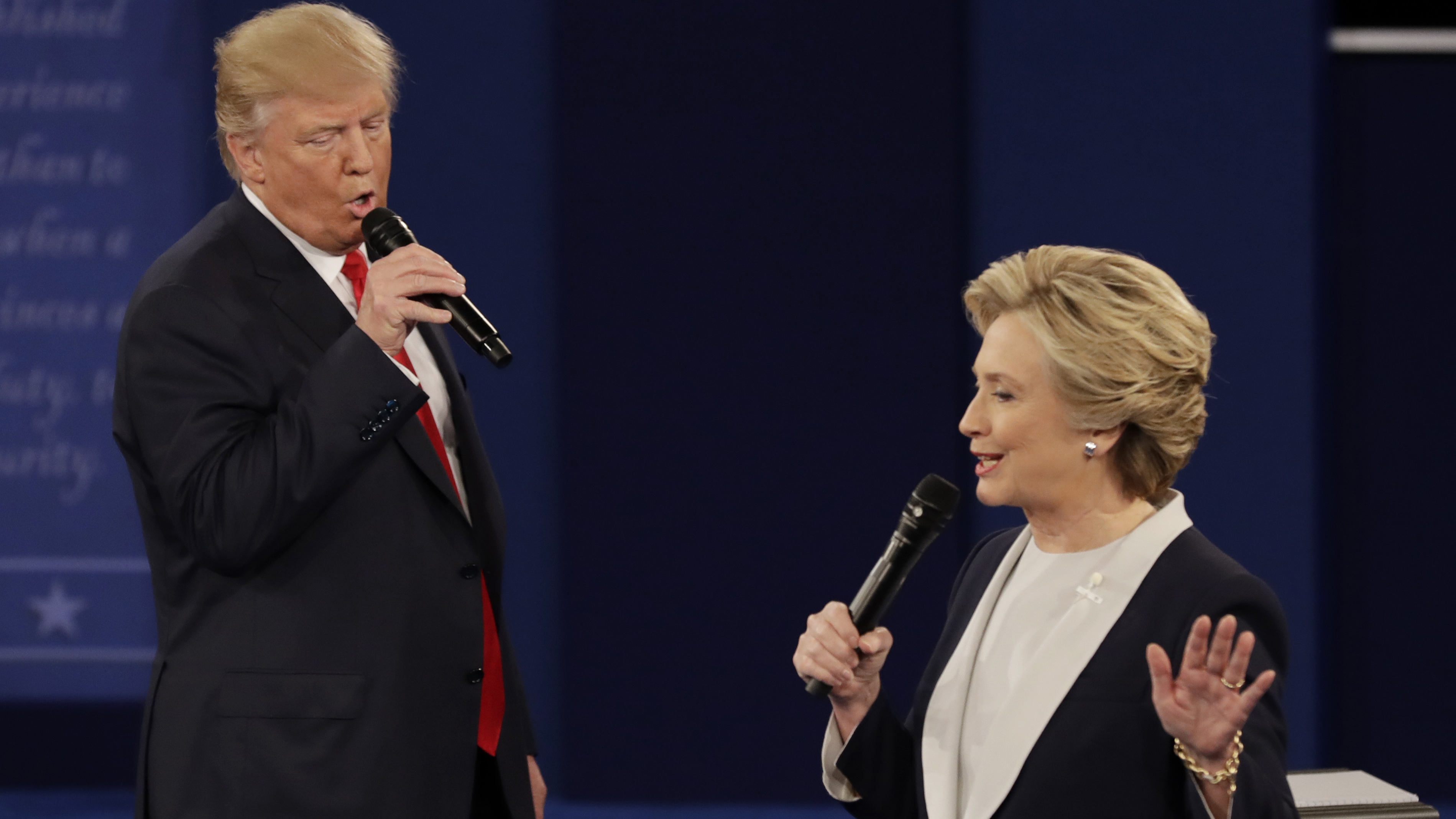 Trump asked Russia to find Hillary Clinton emails same day they hacked affiliated emails photo
