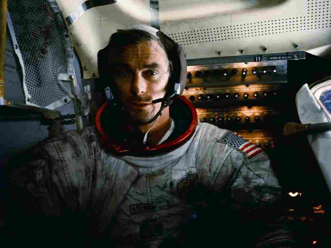 Last man to walk on moon, Gene Cernan, dies