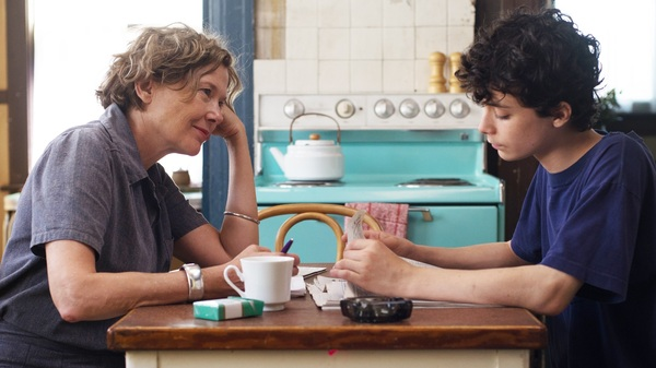 Annette Bening and Lucas Jade Zumann play a mother and son in Mike Mills