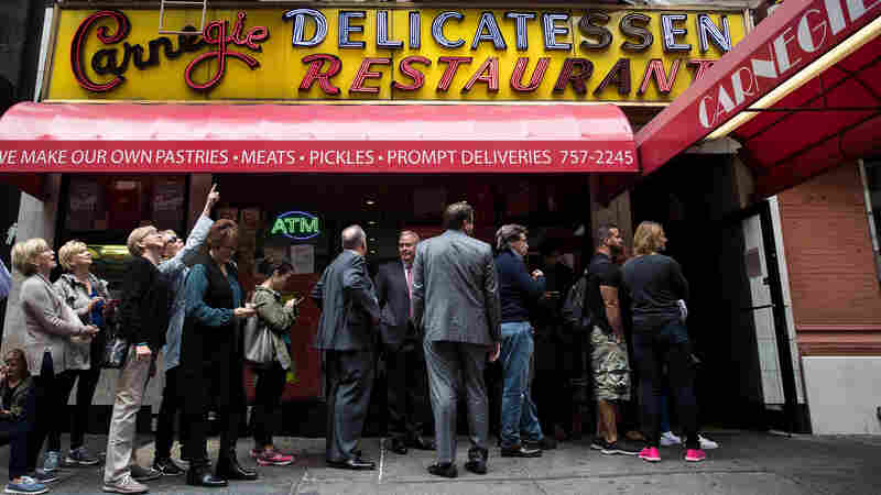 After 8 Decades And Countless Pastrami Sandwiches, New York's Carnegie Deli Folds
