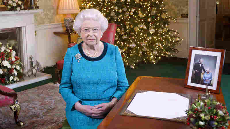 U.K.'s Queen Misses Christmas Service But Offers Message Of 'Great Love'