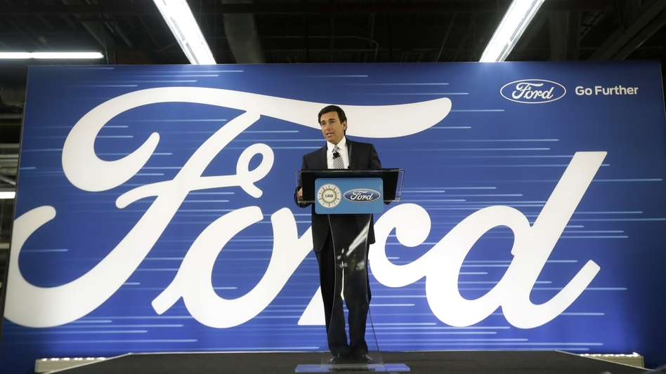 Ford CEO Mark Fields addresses employees in Flat Rock, Mich., on Tuesday, about changing plans to build a new factory in Mexico.