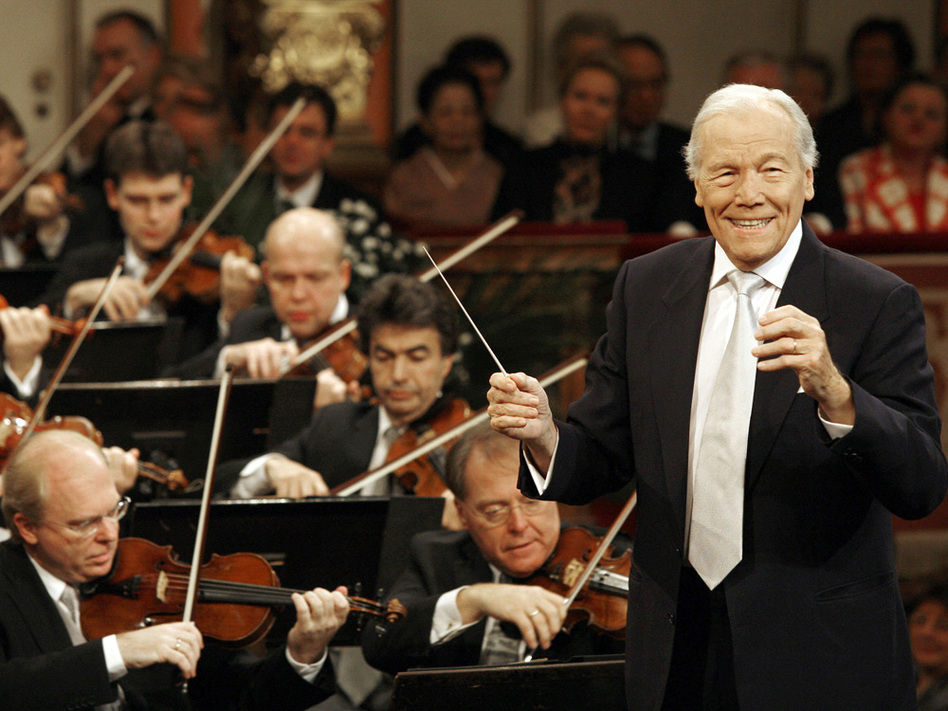 French conductor Georges Prêtre and the Vienna Philharmonic Orchestra perform a New Year's concert Jan. 1, 2008 in Vienna.