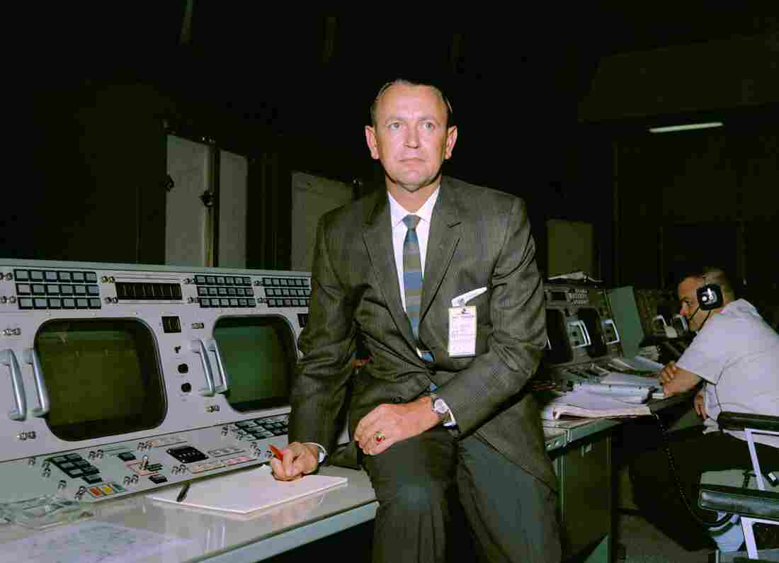 Chris Kraft RIP: Former NASA flight director Chris Kraft dies at 95