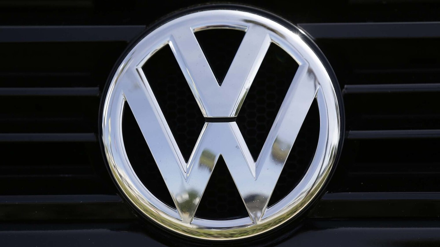 volkswagen  plead guilty pay  billion  emissions scheme settlement    npr
