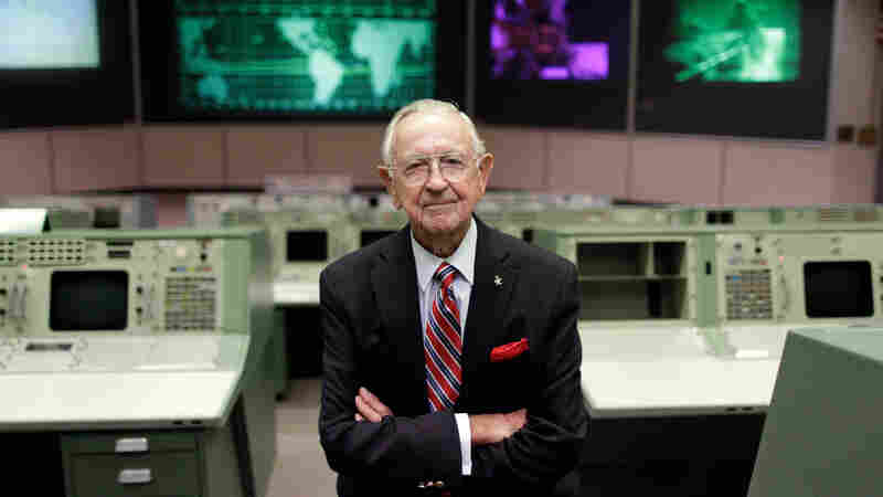 Chris Kraft, One Of The Architects Of The U.S. Space Program, Dies At 95